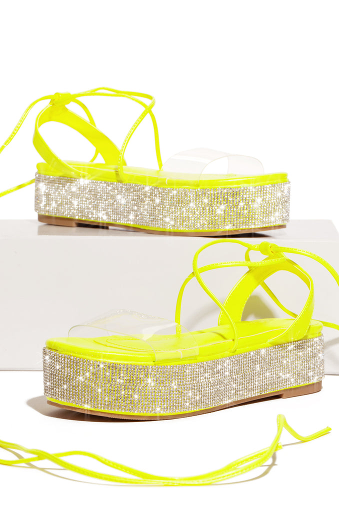 Luxe Moves - Neon Yellow
