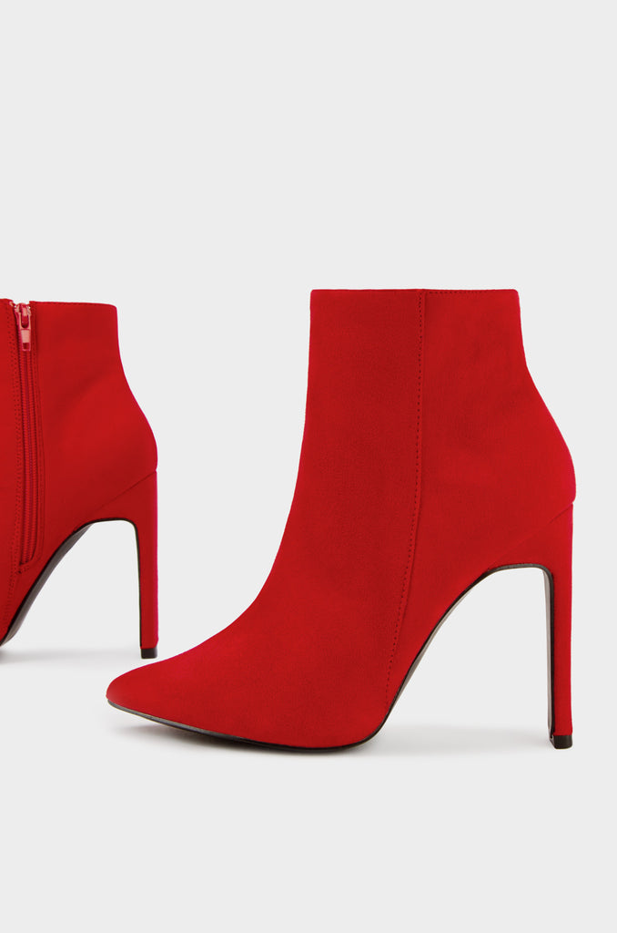 Upper West Side - Red Suede