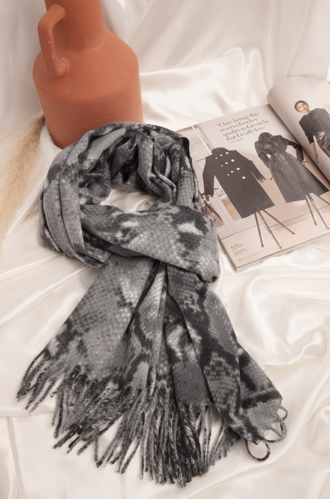 Fall Essentials Scarf - Grey