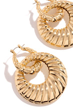 Bold Instinct Earring - Gold