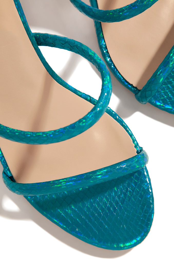 Mesmerized - Teal