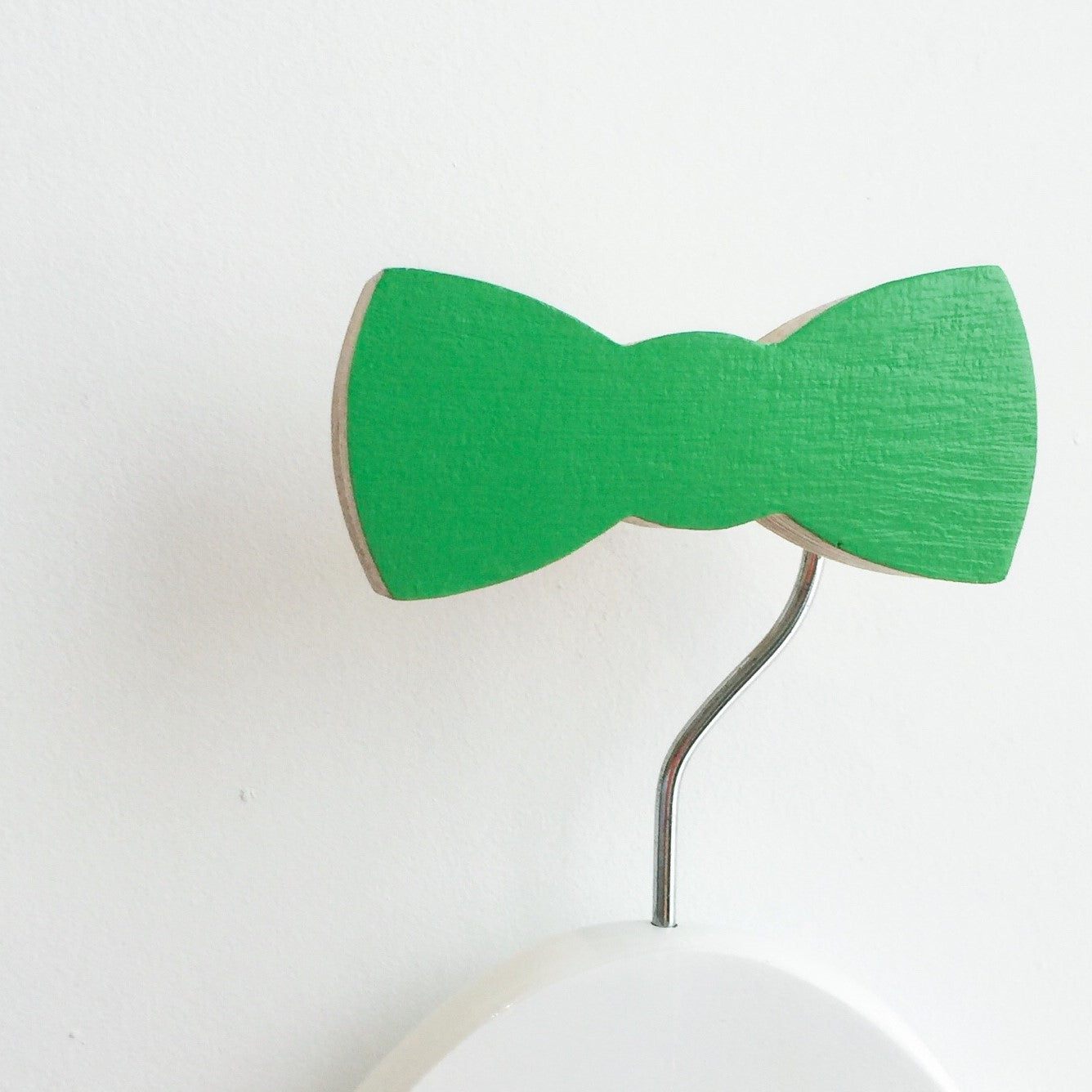 knobbly. bow tie wall hook groovy green
