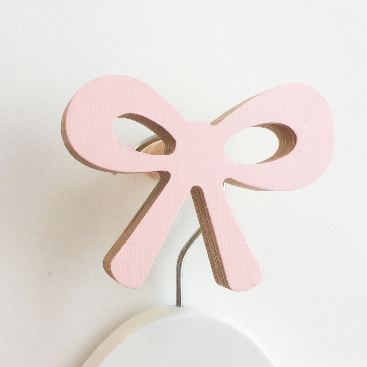 knobbly. ribbon bow wall hook ballerina pink