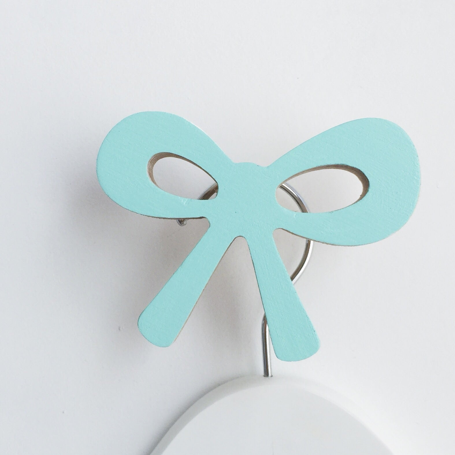 knobbly. ribbon bow wall hook minty blue green