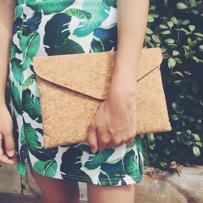 Aurora Cork Clutch in Classic