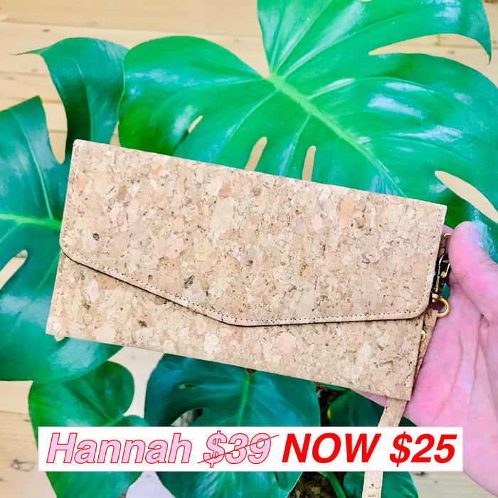 Hannah Cork Pouch in Classic
