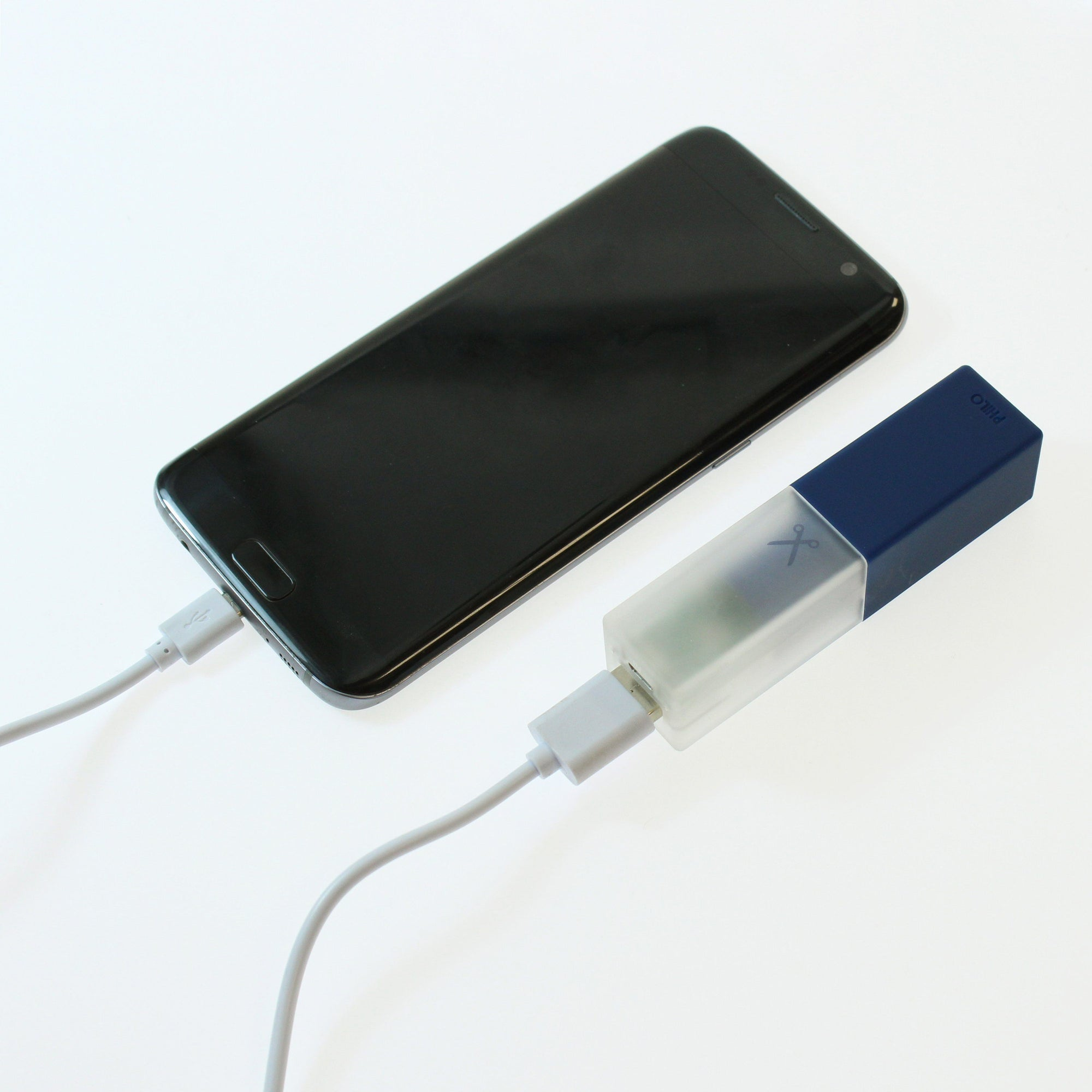 Travel Smartphone Power Bank: Blue Powerbank Go Philo - der ZEITGEIST