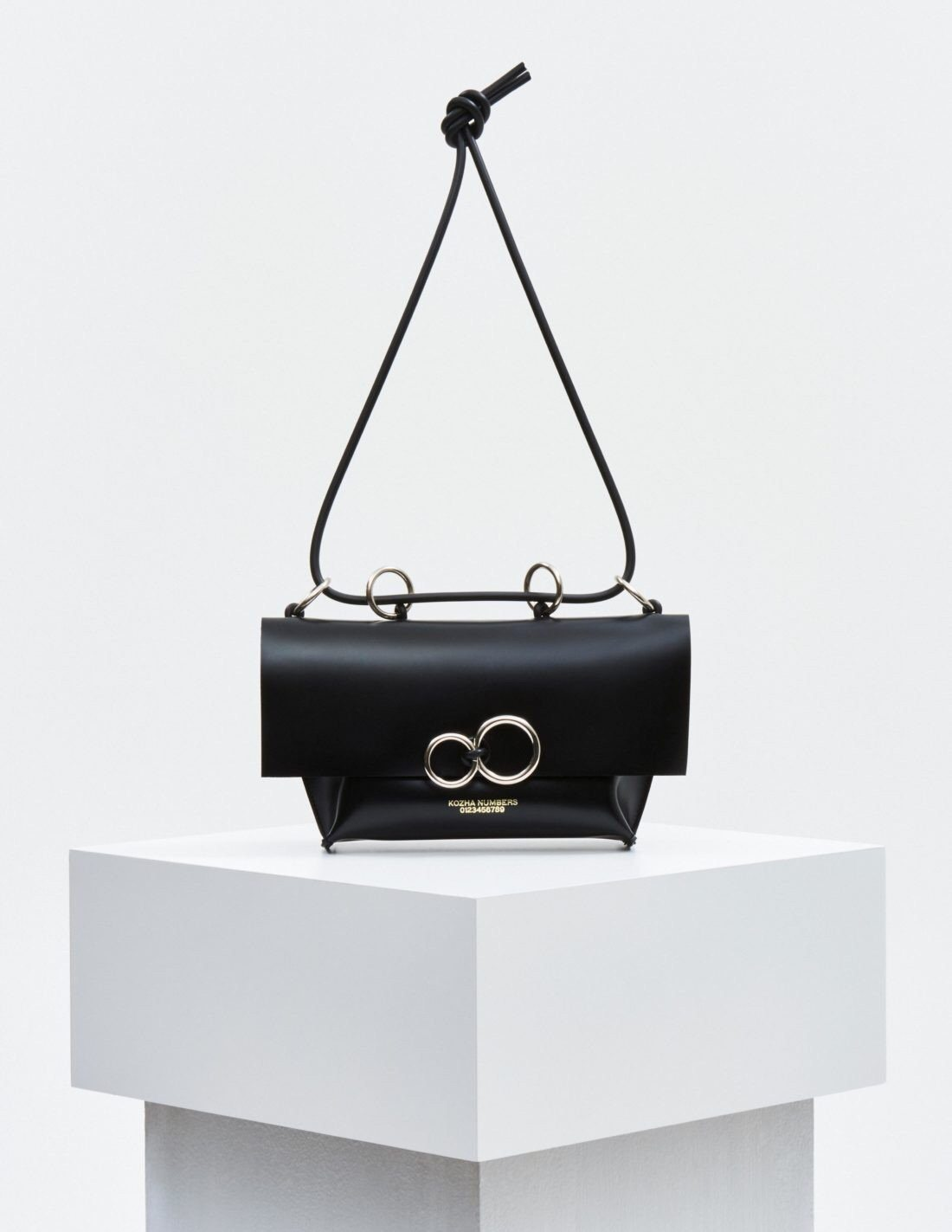 The Orbit: Black Handbag Kozha Numbers - der ZEITGEIST
