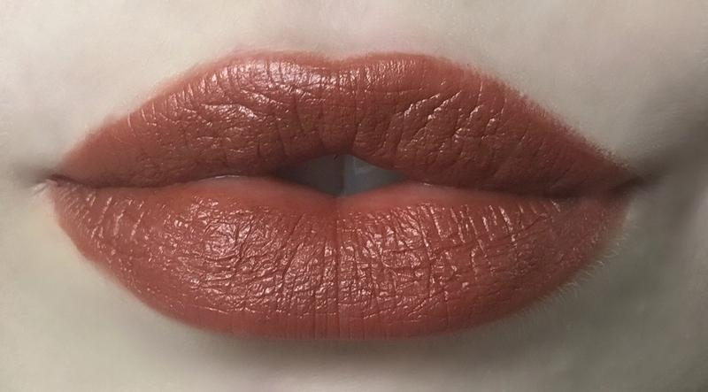 Lip Crayon: Intrigue Lip Crayon Axiology - der ZEITGEIST