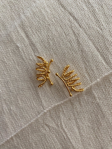 triple torsion Earcuff - gold 24k