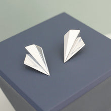 Load image into Gallery viewer, Silver Fan Stud Earrings