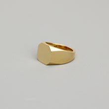 Load image into Gallery viewer, Gold Asher Signet Ring