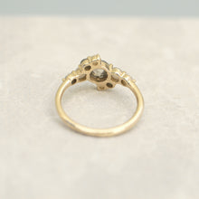 Load image into Gallery viewer, 14k Gold Round Diamond Cluster Ring