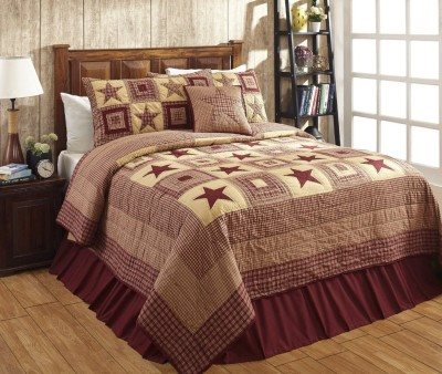 Colonial Star Burgundy Quilt Set