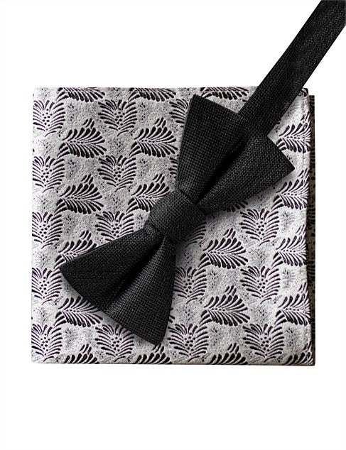 JAMES HARPER TEXTURED LEAF HANK & BOW BLK & WHT