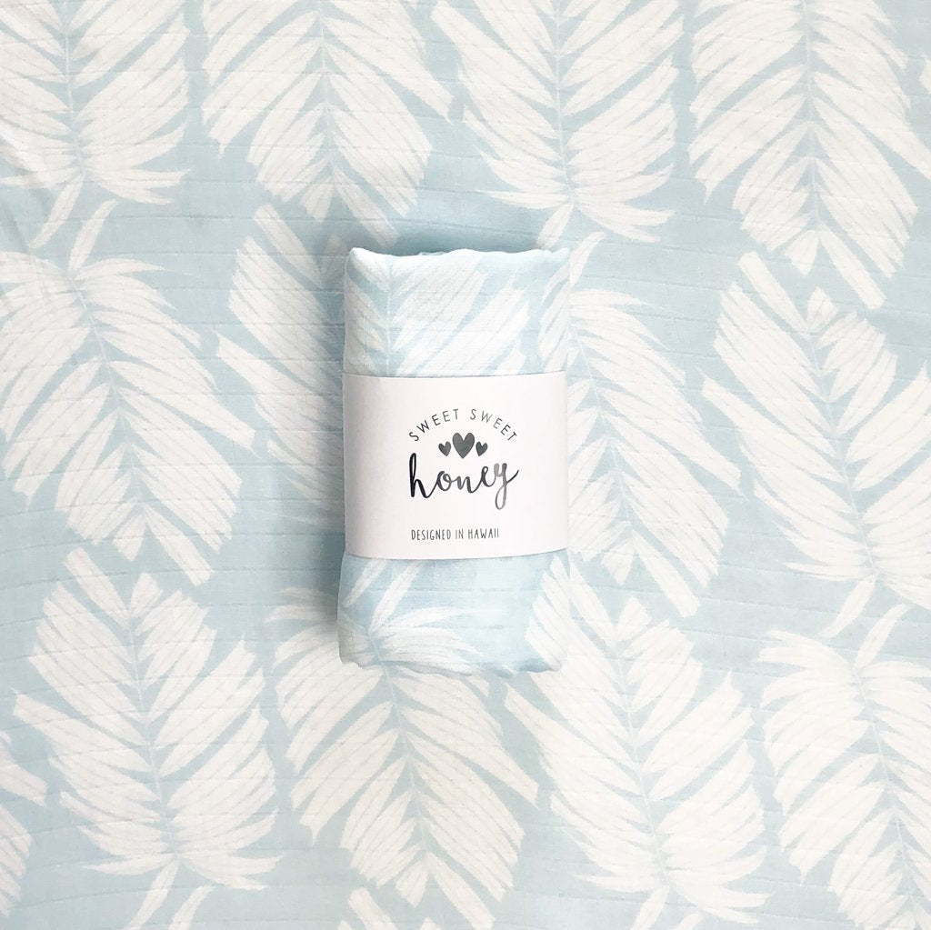 BLUE ICE PALM BAMBOO MUSLIN SWADDLE