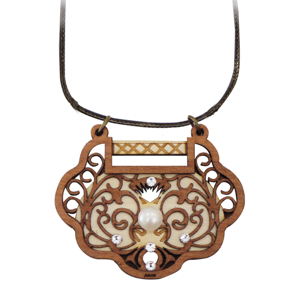 Fashion Accessories: Pendants  - Longevity Lock