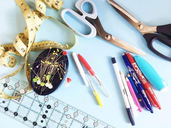 learn to sew essential tools sewing crafty sew and so