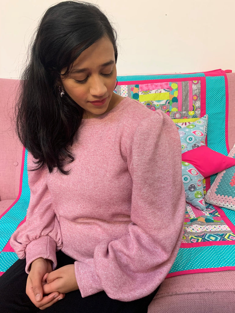 Crafty Bloggers' Club model wear a Billie Sweatshirt in Pink Lurex Jersey fabric