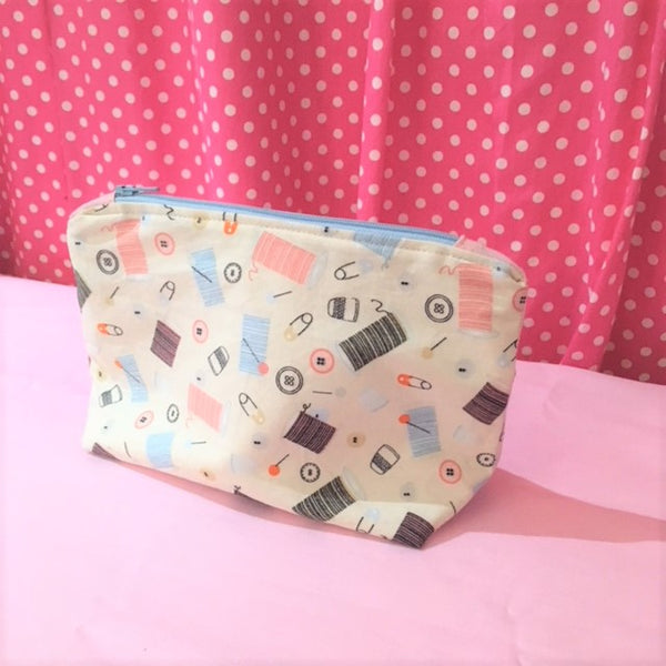 Learn to Sew - Zipped makeup bag
