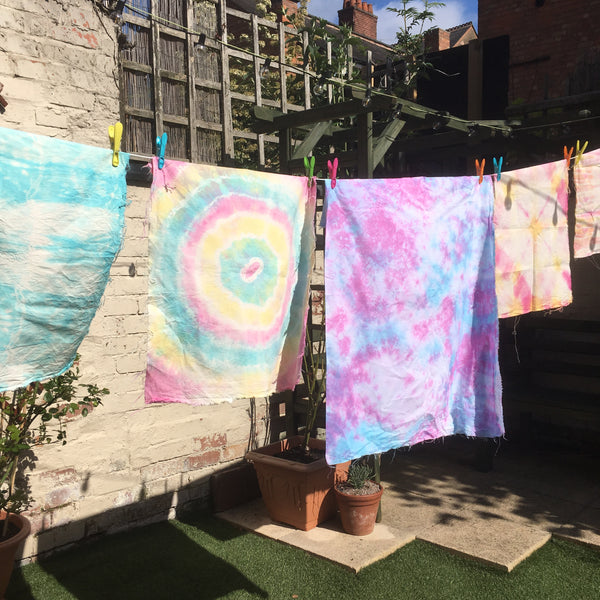 Tie-Dye with Kiwi and the Bear