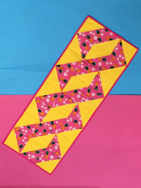 Patchwork and Quilting: Ribbon patchwork table runner