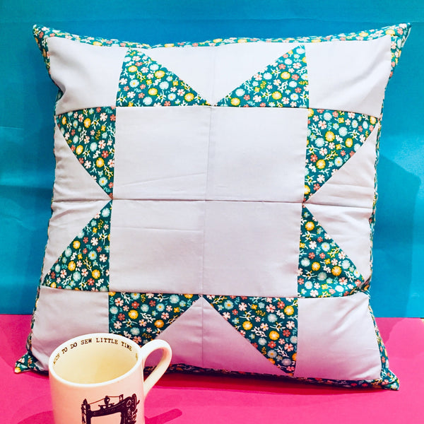 "Live Online Workshop - Patchwork and Quilting: ""Magic 8"" Half Square Triangle Cushion Cover"
