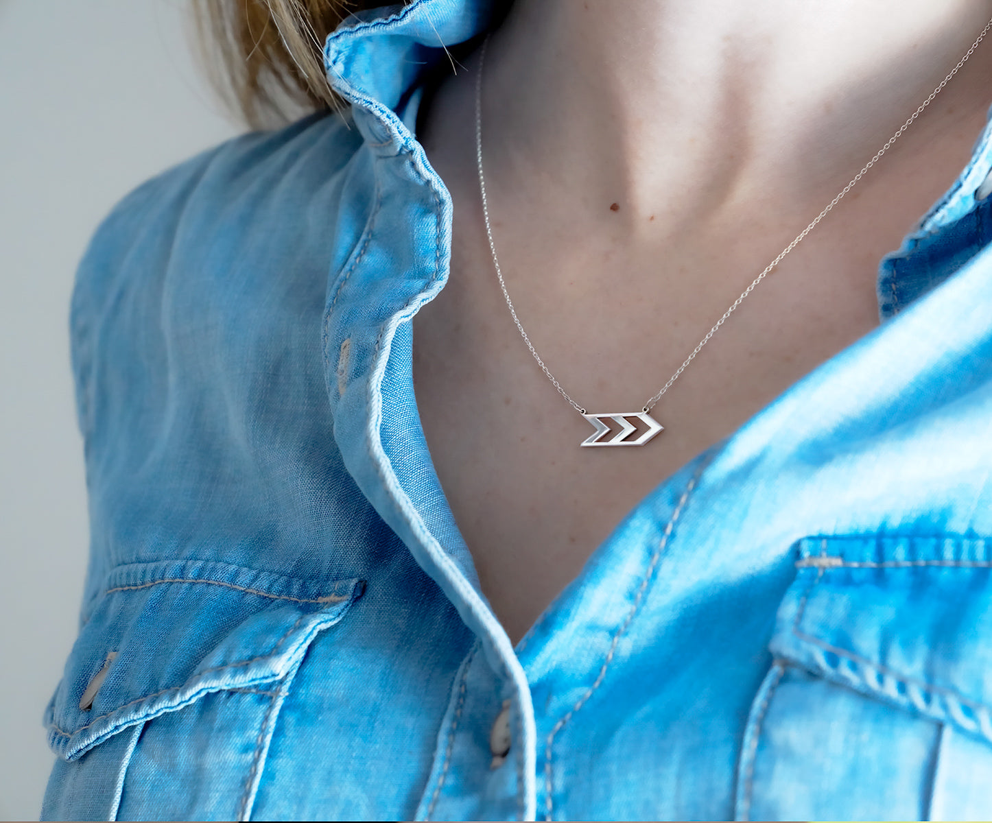 Three Arrows Necklace / in stock
