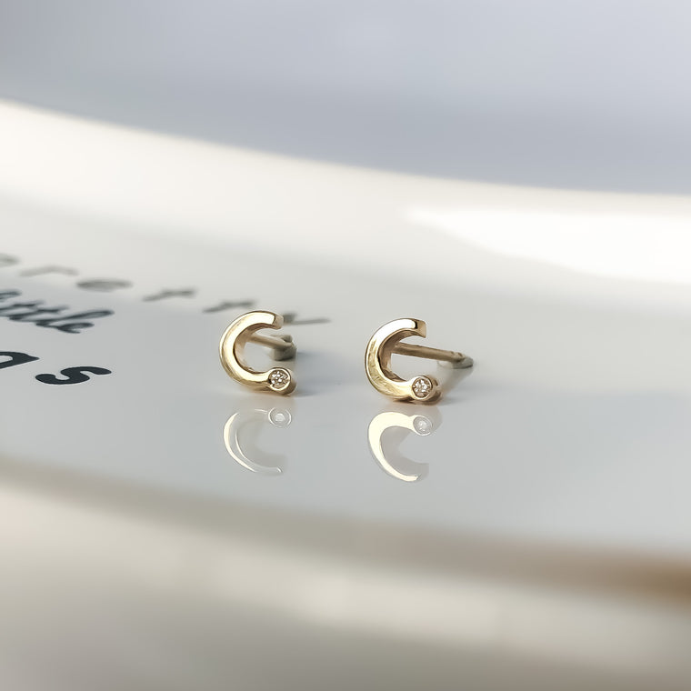 Initial Earring Diamond