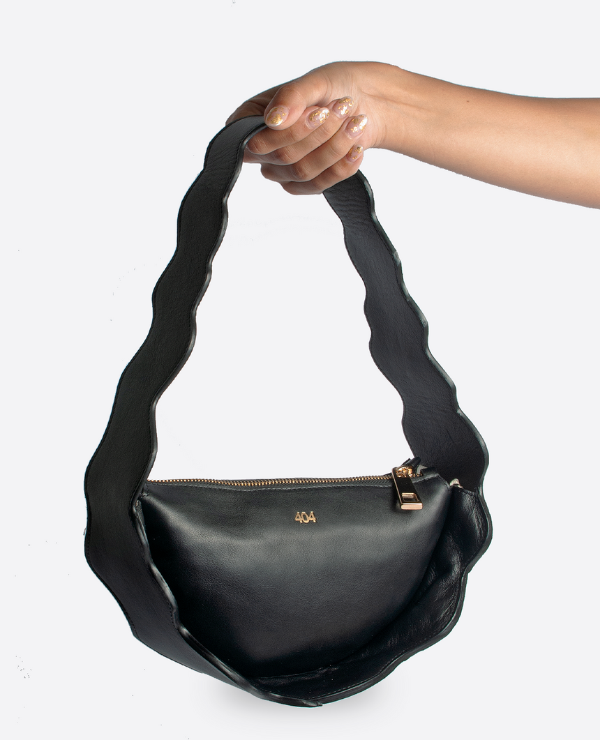 Bolso negro · The Mountain · 404 STUDIO x BELFRY