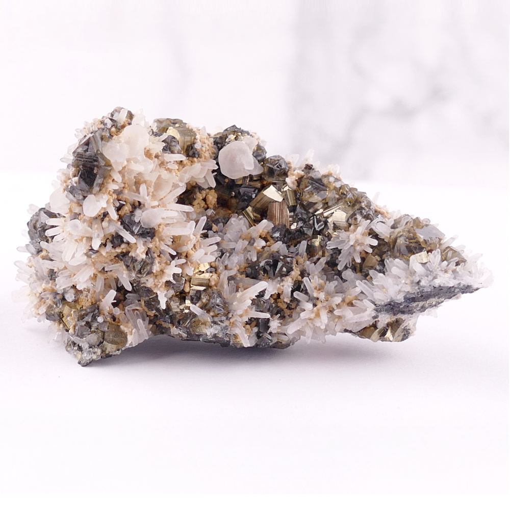 Sphalerite with Pyrite, Quartz and Calcite