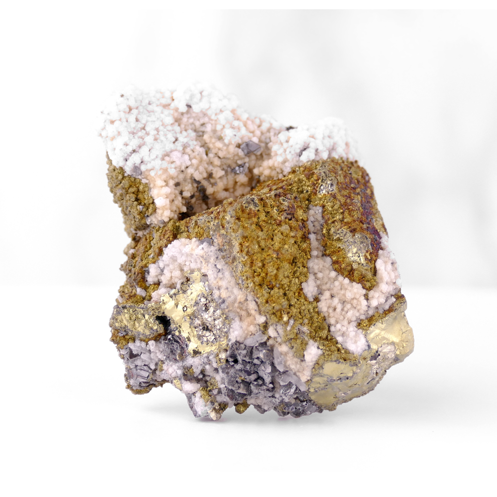 Chalcopyrite with Calcite and Sphalerite