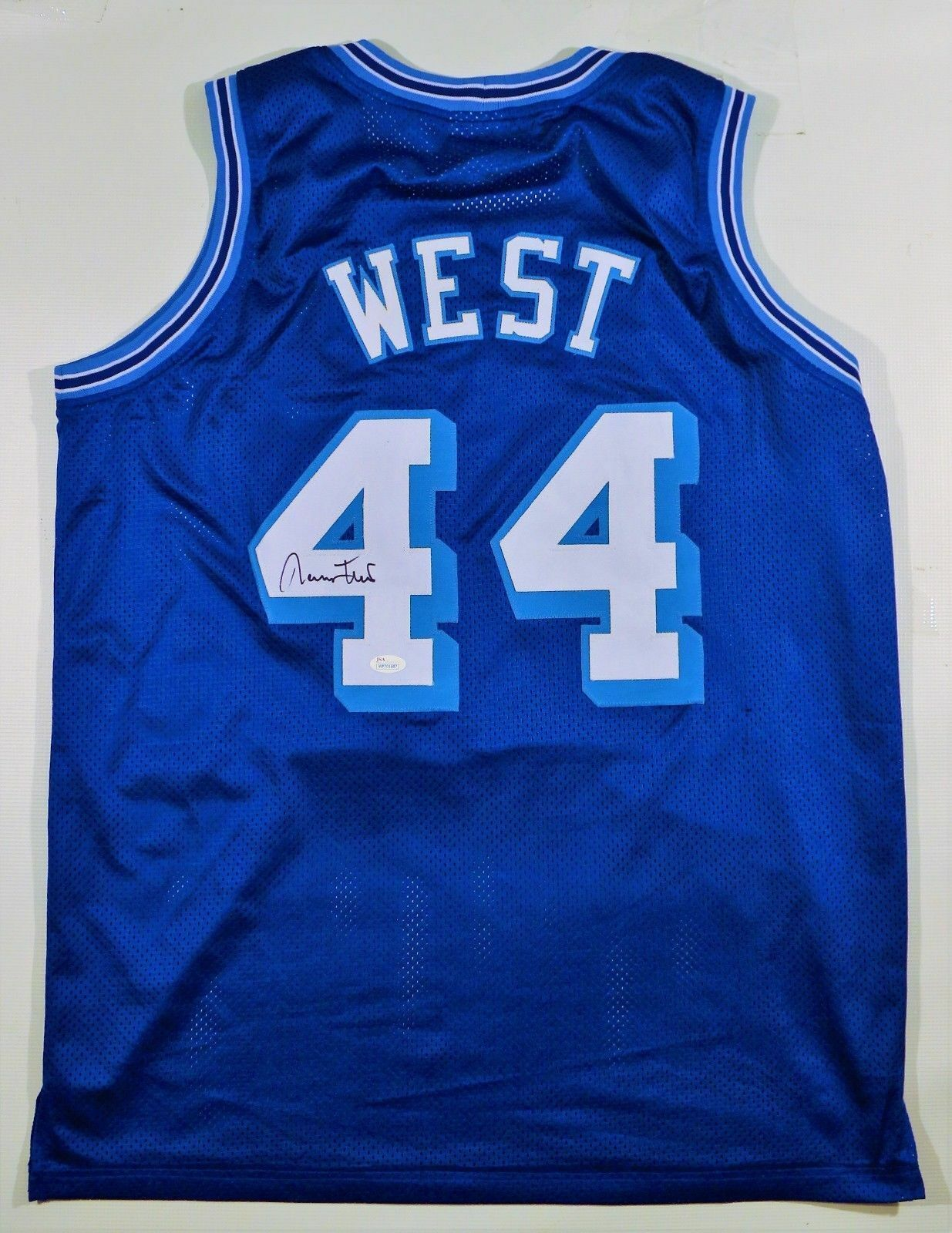 Jerry West Signed Lakers Jersey (JSA)14× NBA All-Star (1961–1974) 1972 NBA Champ