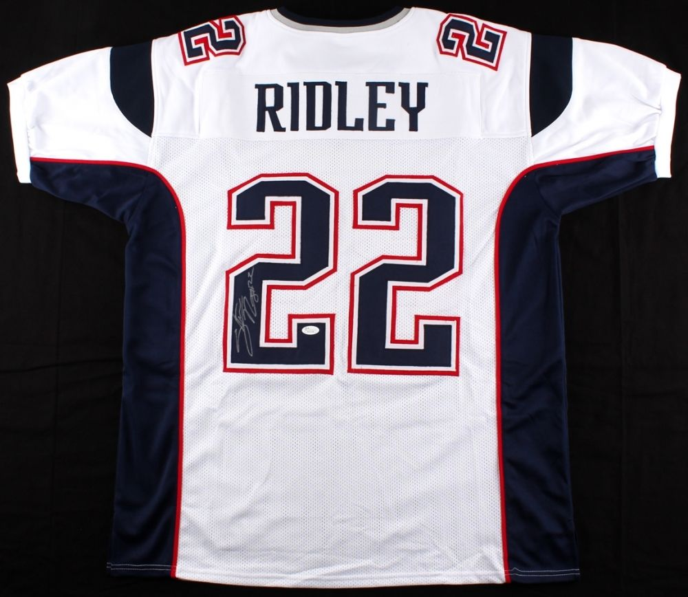 Stevan Ridley Signed White Patriots Jersey (JSA) Super Bowl champion XLIX