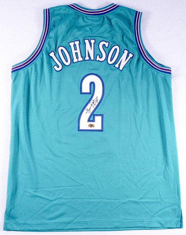 Larry Johnson Signed Hornets Jersey (MAB COA)