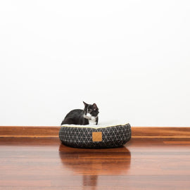 Mog & Bone Reversible Cat Bed Pitch Triangle Print