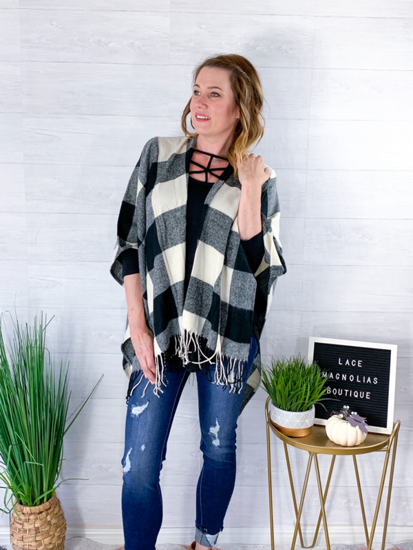 Holiday Spirit Buffalo Plaid Poncho - Black/White