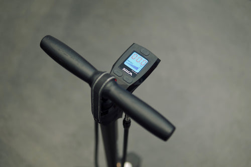 Close up of the digital dial on the Super Pista Digital