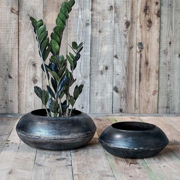 Endo Reclaimed Large Iron Round Planter