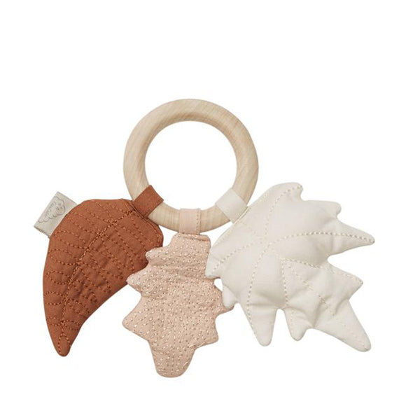 Cam Cam Copenhagen Rattle Leaves w/ Maple Wood Ring - Mix Caramel
