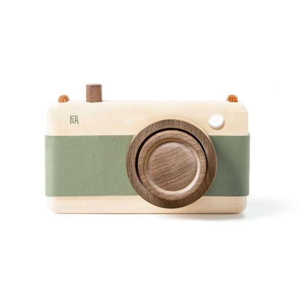 Fanny And Alexander Wooden Zoom Camera – Green
