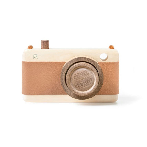 Fanny And Alexander Wooden Zoom Camera – Hazelnut