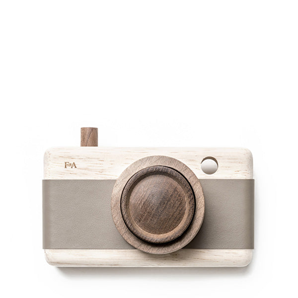 Fanny And Alexander Wooden Zoom Camera – River Pebble Grey