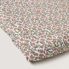 Garbo and Friends Fitted Sheet – Floral Vine