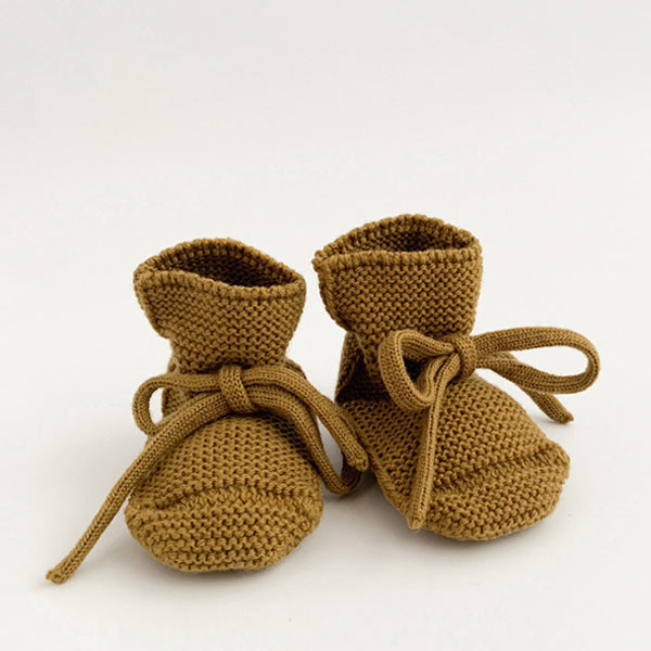 Hvid Knitted Booties – Mustard