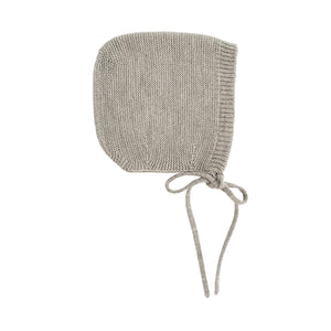 Hvid Knitted Bonnet Dolly - Grey Melange