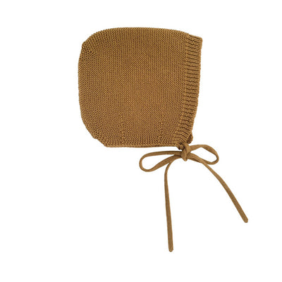 Hvid Knitted Bonnet Dolly - Mustard