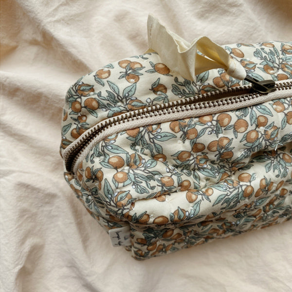 Konges Sløjd Quilted Toiletry Bag – Orangery Beige