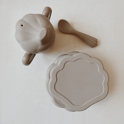 Konges Sløjd Silicone Dinner Set CLAM - Warm Grey