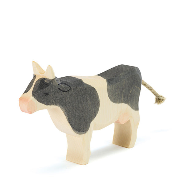 Ostheimer Cow Black & White – Standing